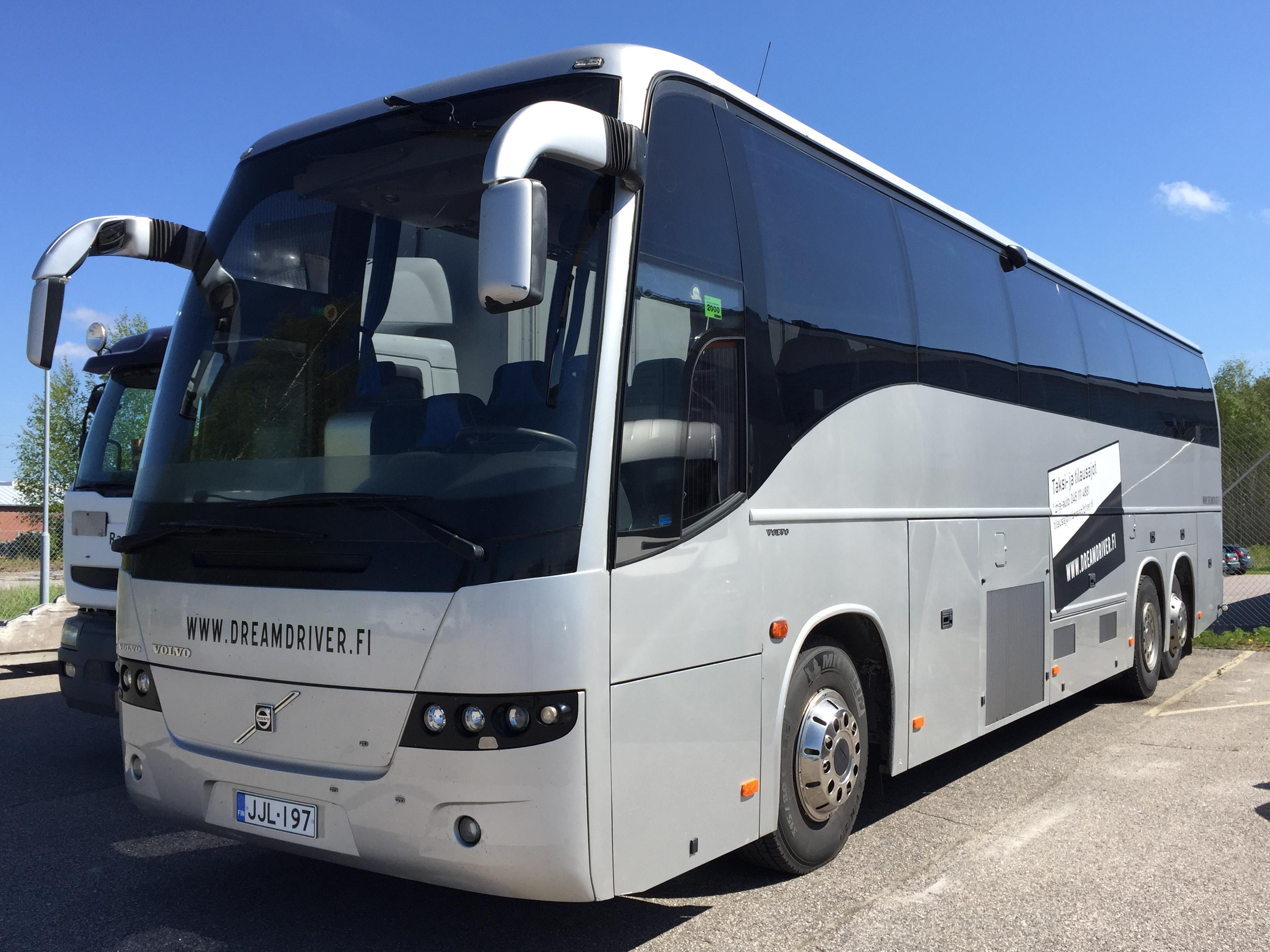49-paikkainen linja-auto