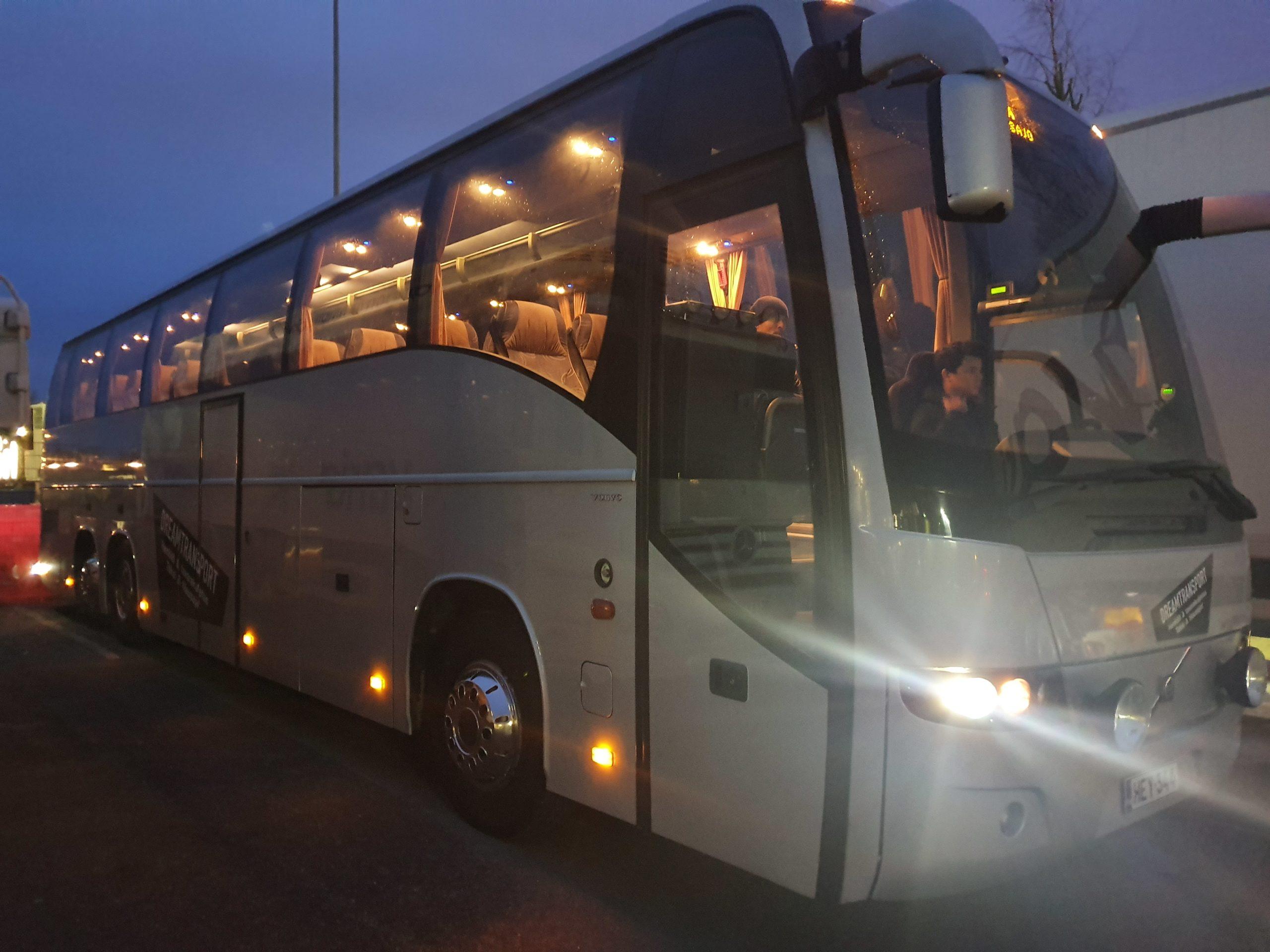48-paikkainen linja-auto